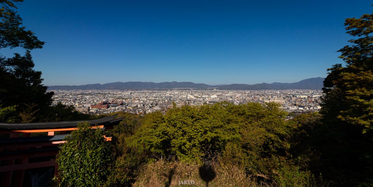 Fushimi Inari Taisha shrine in Kyoto / Fushimi Inari, J2019, Japan, Kansai, Kioto, Kyoto, Schrein, Shinto, Shintoism, Shrine, しんとう, じんじゃ, 京都, 伏見稲荷大社, 日本, 神社, 神道, 関西