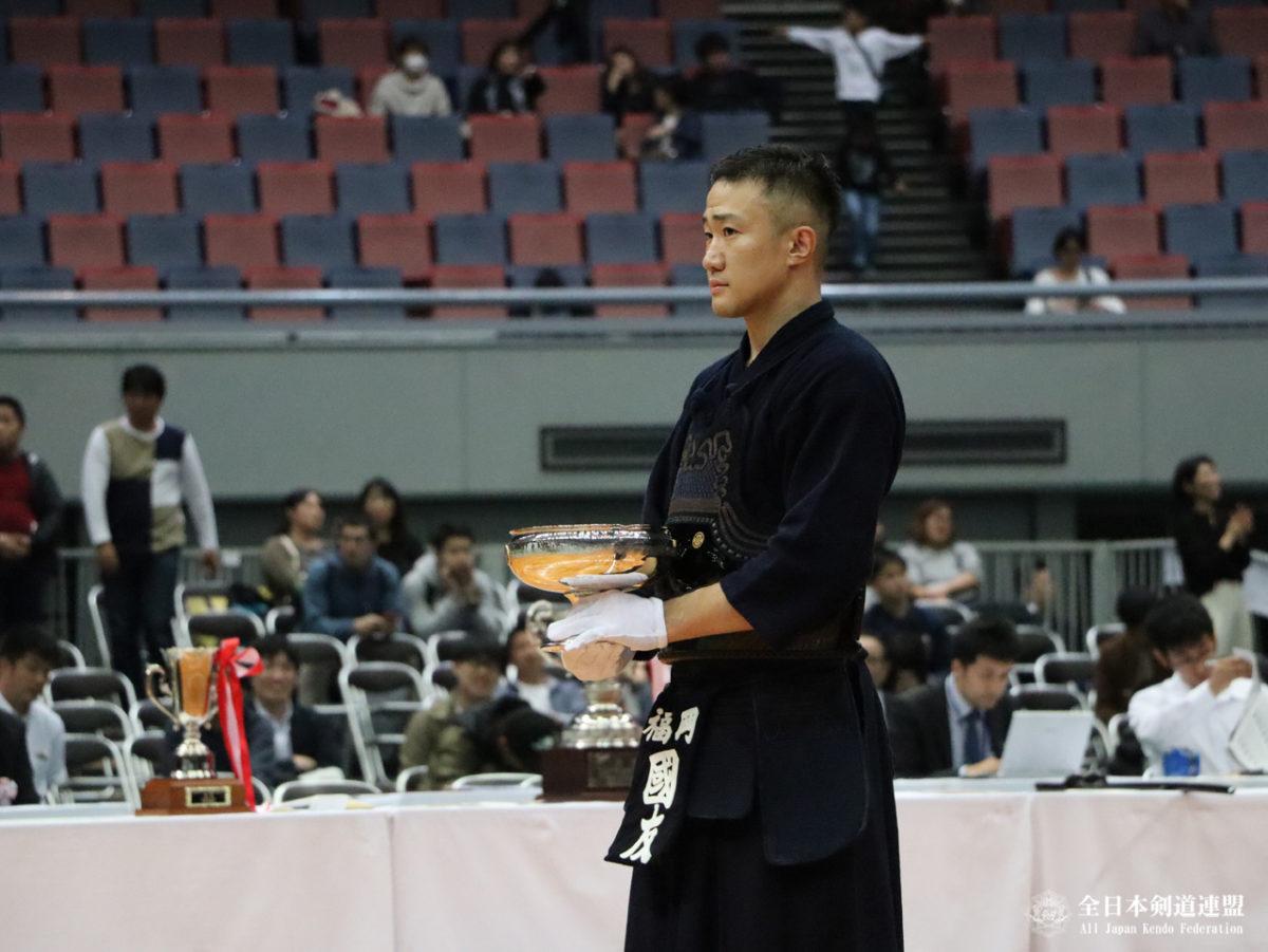 Sieger mit der Kaiserschale: Kunitomo Rentaro