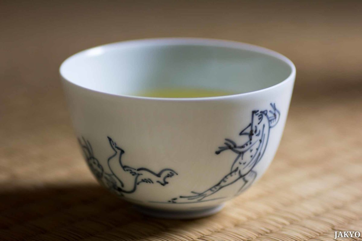 Ikai White tea cup with animal painting (frog and rabit)
